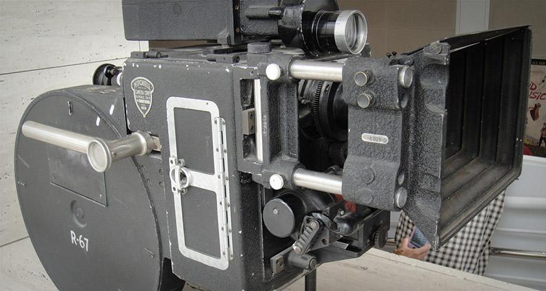 Camera1_midroll
